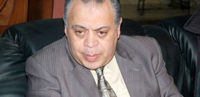 Photo of أشرف زكي يصل جنازة المخرج سمير سيف