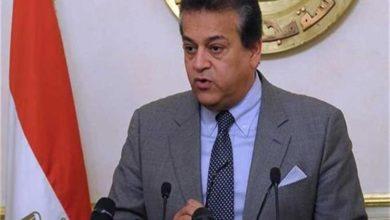 صورة وزير التعليم العالي: لا خصخصة للجامعات المصرية.. والسيسي يتابع بدقة كل التفاصيل