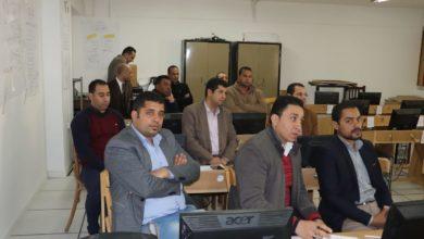 Photo of رئيس جامعة الأزهر يتفقد الدورات التدريبية لأعضاء هيئة التدريس بكلية الإعلام