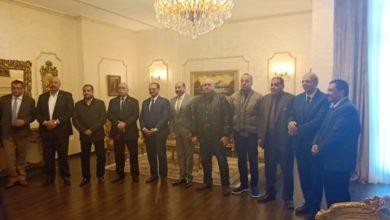 Photo of محافظ أسوان يستقبل وفد نقل النواب لتفقد مشروعات الطرق الداخلية والكباري