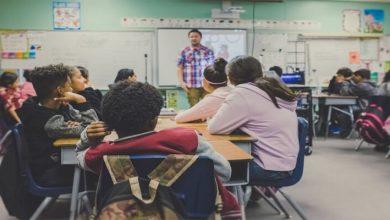 صورة 13 خطوة توضح كيفية تواصل المعلمين مع الطلاب عبر مواقع التواصل الاجتماعي