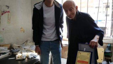 Photo of اتحاد الاقتصاد والعلوم السياسية القاهرة يكرمون طبيب الغلابة تقديرا لجهوده