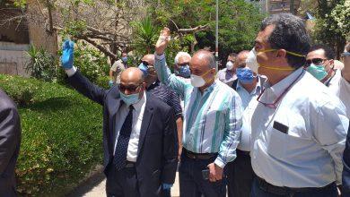 Photo of رئيس جامعة الزقازيق يحتفل بعيد الفطر داخل العزل الصحى بالمدينة الجامعية
