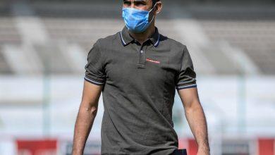 صورة عبدالحفيظ يطالب لاعبي الأهلي بالتركيز وعدم انشغالهم برحيل فايلر