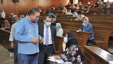 Photo of رئيس جامعة كفر الشيخ يتفقد سير امتحانات الفصل الدراسي الثاني للفرق النهائية