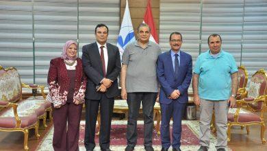 صورة رئيس جامعة كفر الشيخ يستقبل وزير التنمية الإدارية الأسبق