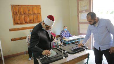صورة قيادات الأزهر يدلون بأصواتهم في الساعات الأولى من انتخابات مجلس الشيوخ
