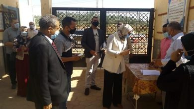 Photo of نائب محافظ الوادي الجديد تتابع سير امتحانات الدبلومات الفنية بمركز الداخلة