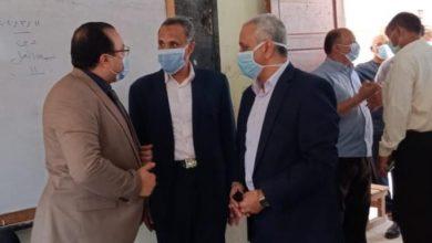 Photo of السكرتير العام المساعد فى بني سويف يتابع سير العملية الانتخابية