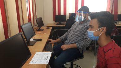 صورة إقبال كبير على معمل كلية الهندسة بجامعة عين شمس.. في اليوم الثاني من تسجيل رغبات التنسيق
