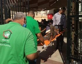 صورة التضامن : فريق أطفال وكبار بلا مأوى ينقذ مواطنًا بلا مأوى بالإسكندرية