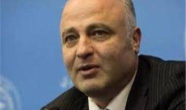 محمود الأفندي أستاذ علم الأحياء الدقيقة في الأكاديمية الروسية