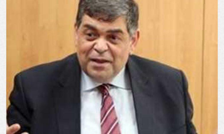 الدكتور أشرف حاتم وزير الصحة الأسبق