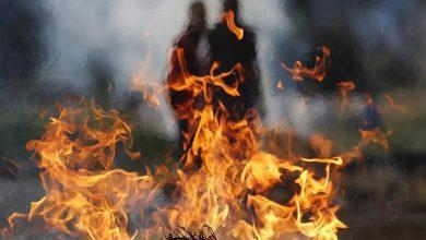 فيديو.. طلعوا جثتها من القبر وحرقوها قدام الناس.. وسابوها فحمة