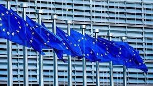 المفوضية الأوروبية: سنتمكن من تلقيح 70% من السكان