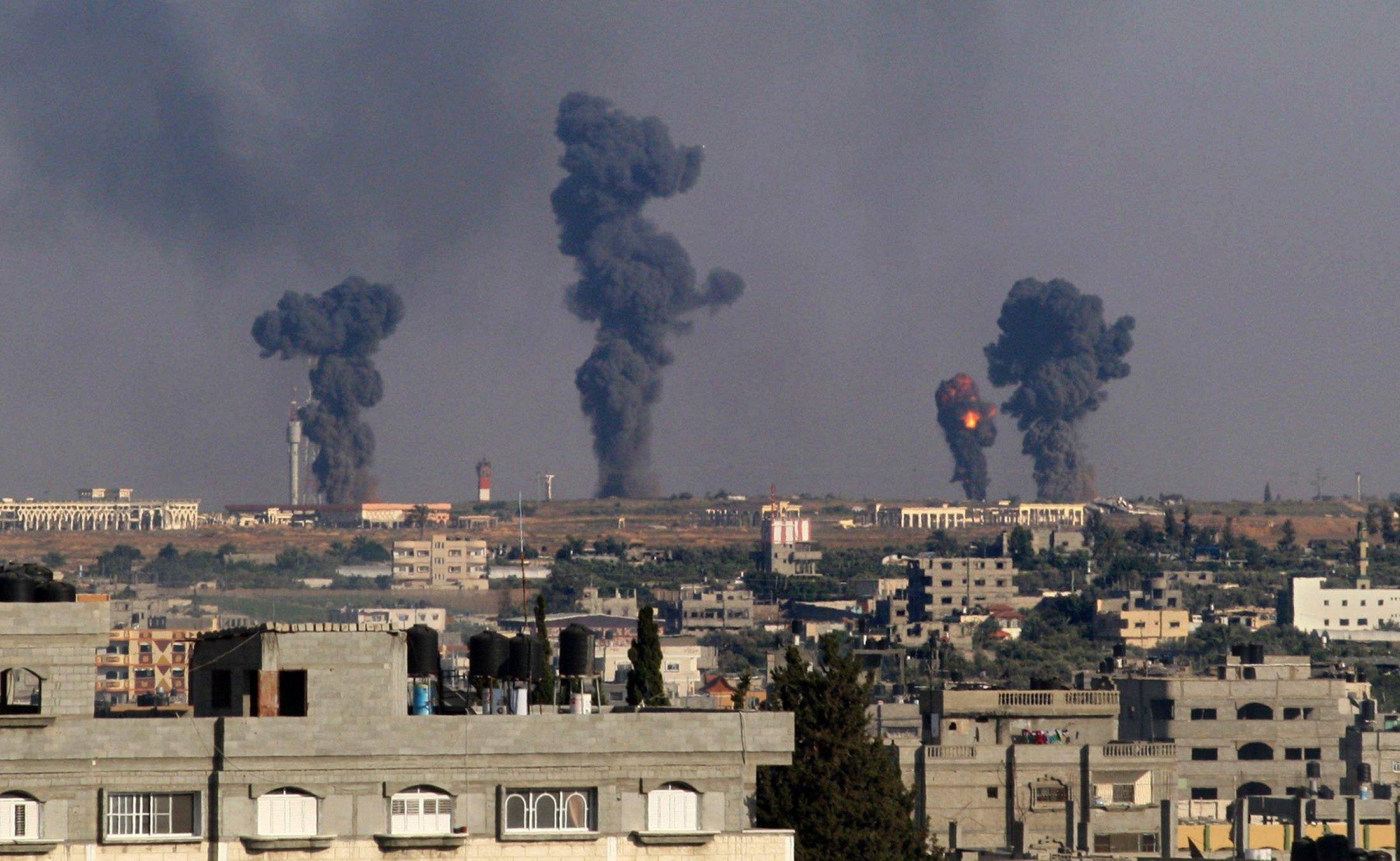 السر وراء إستهداف الطيران الإسرائيلي أبراج غزة