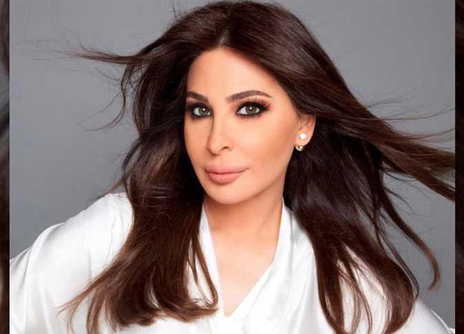 إليسا تفاجأ جمهورها بإطلالة شبابية جديدة قبل حفلها في الرياض