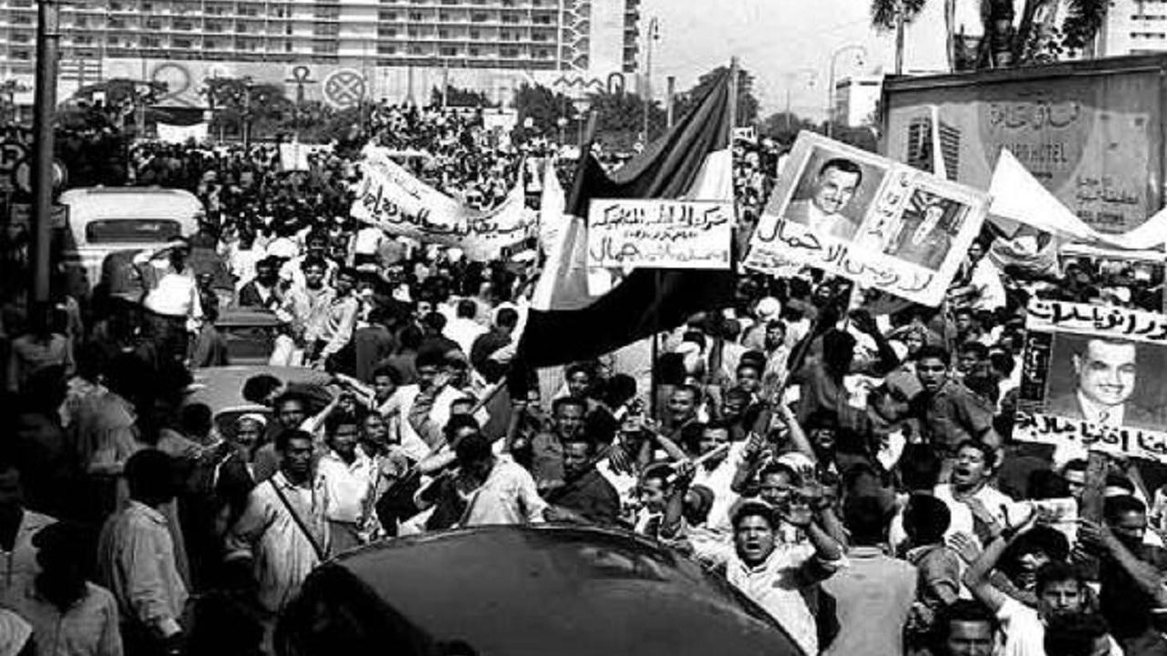 محمد رجب يكتب: في مثل هذا اليوم هتفت الجماهير «أرفض أرفض يا زكريا عبد الناصر ميه الميه»