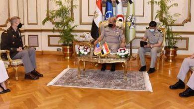وزير الدفاع يلتقى قائد الحرس الوطنى الأمريكى خلال زيارته لمصر